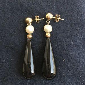 Black onyx drop earrings on 14k good setting